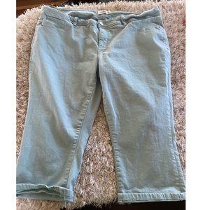 Royalty Denim Capri Jeans Size 18W
